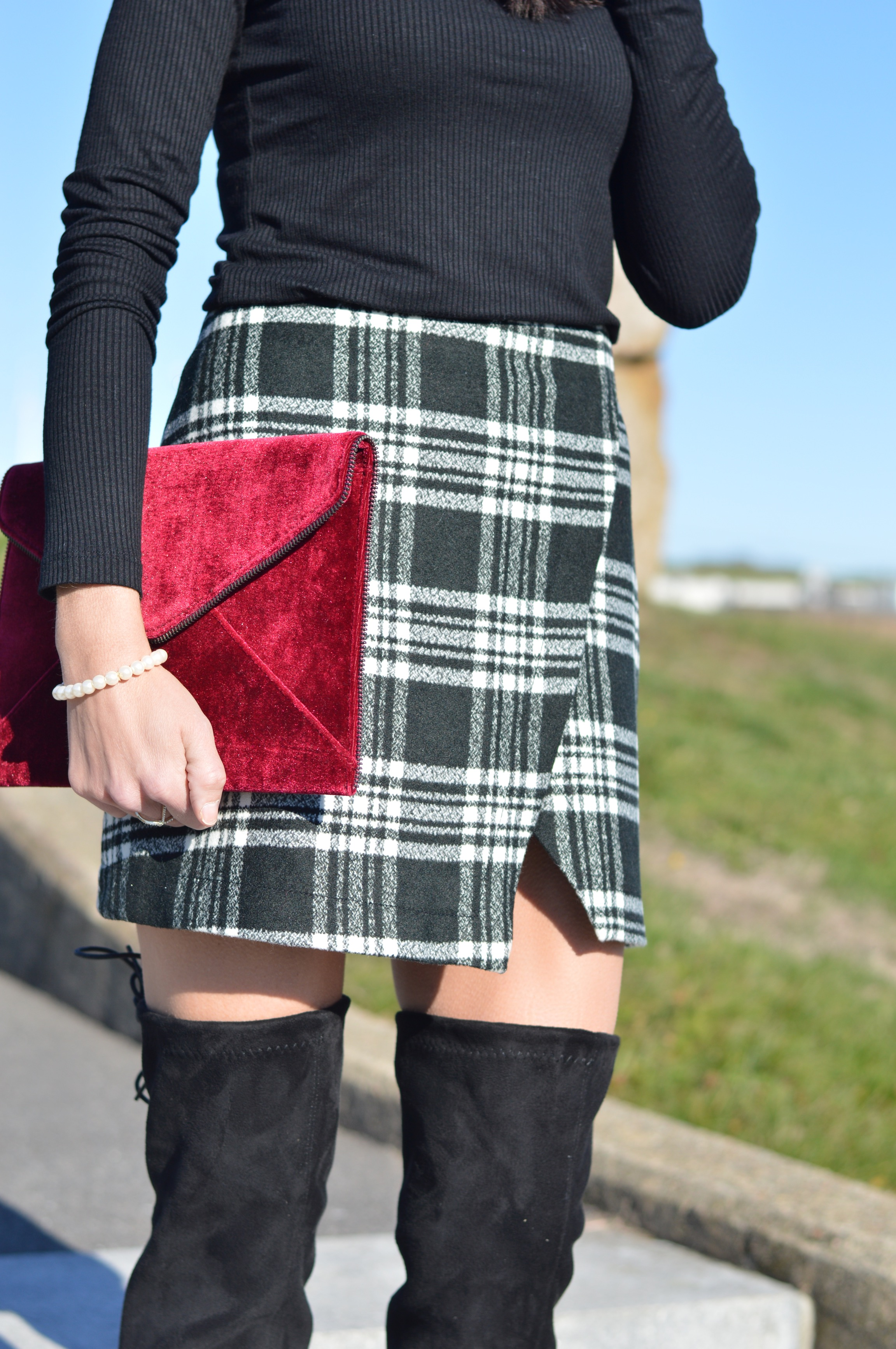 How to style plaid skirts for the cold weather