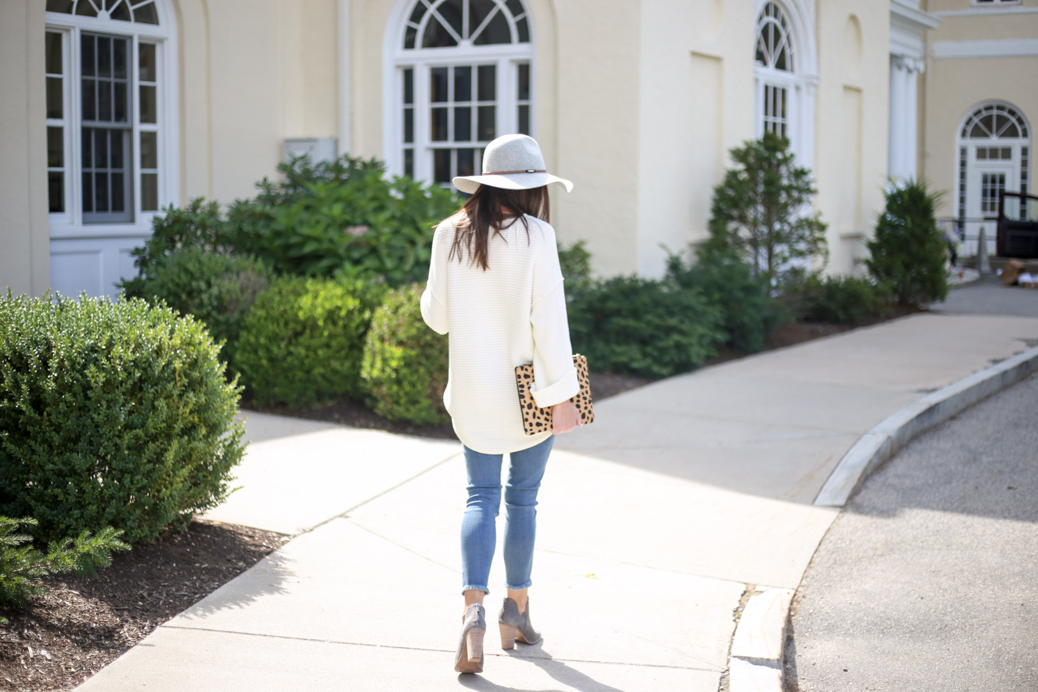 Building your capsule wardrobe; chunky knit sweaters - The Knit Sweater by Boston fashion blogger Living Life Pretty