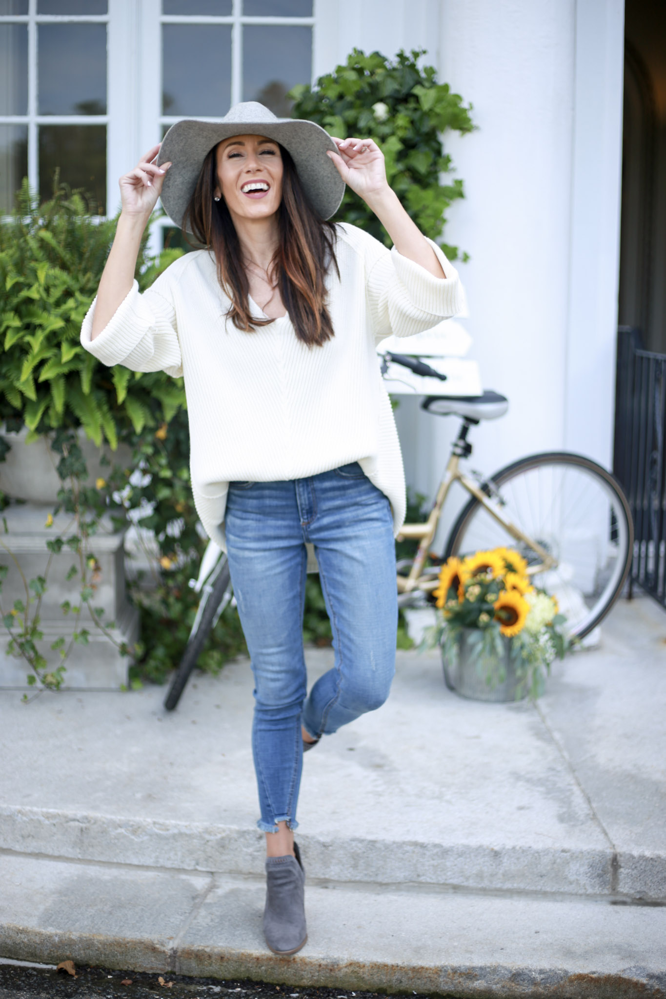 Capsule wardrobe series; The perfect fall sweaters - The Knit Sweater by Boston fashion blogger Living Life Pretty
