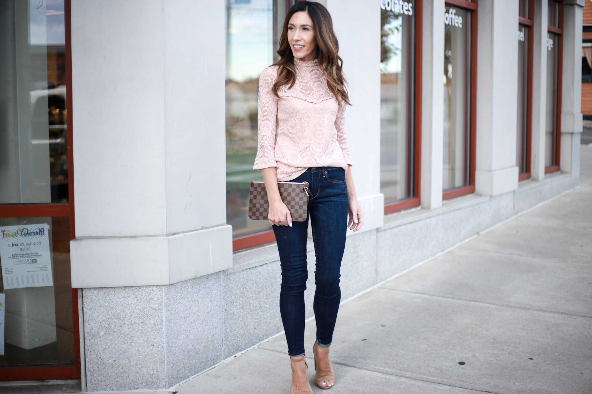 Why you NEED dark skinny jeans in your wardrobe - Capsule Wardrobe Series - Skinny Jeans by Boston fashion blogger Living Life Pretty