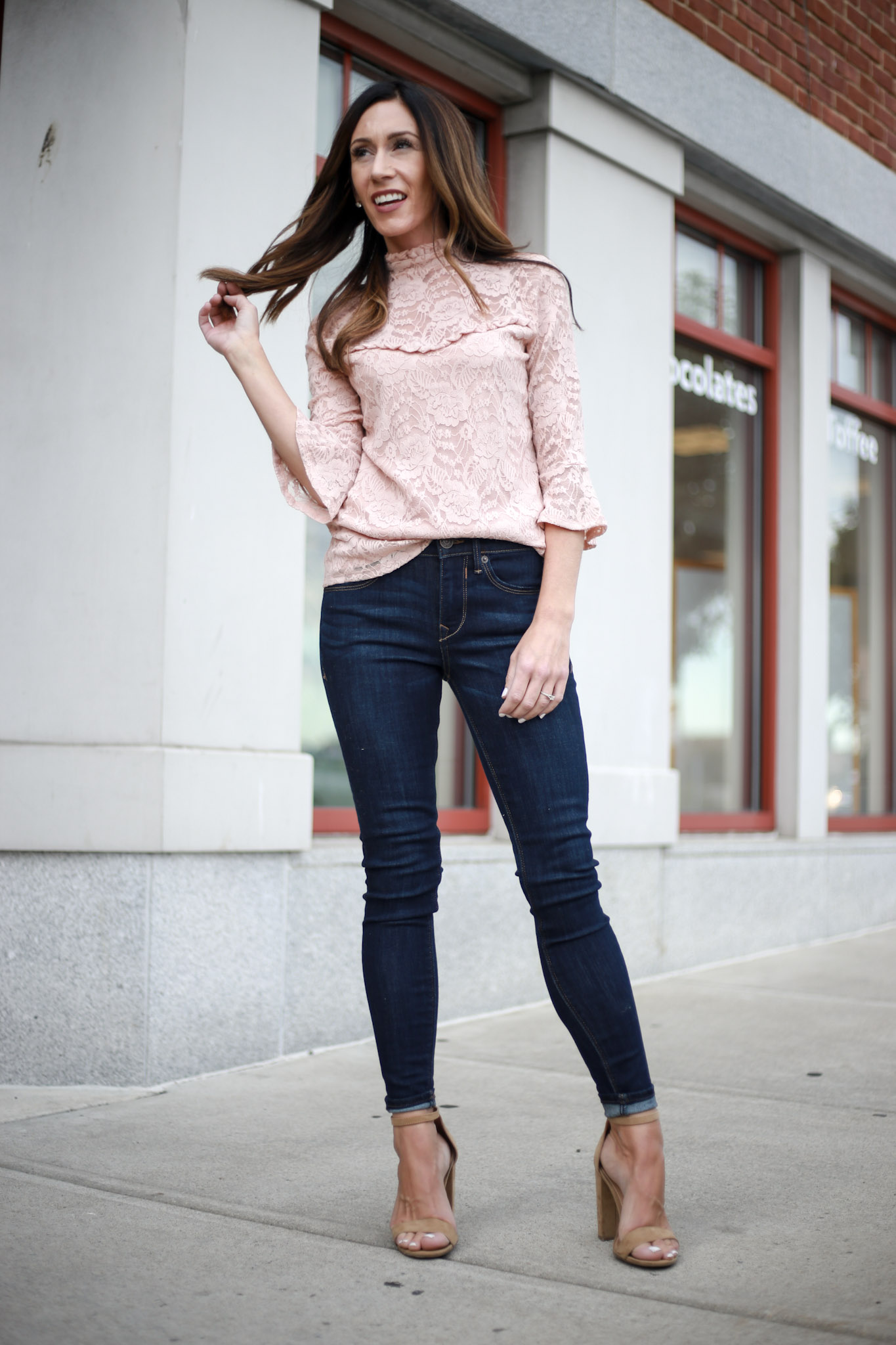 The best dark skinnies for your capsule wardrobe! - Capsule Wardrobe Series - Skinny Jeans by Boston fashion blogger Living Life Pretty