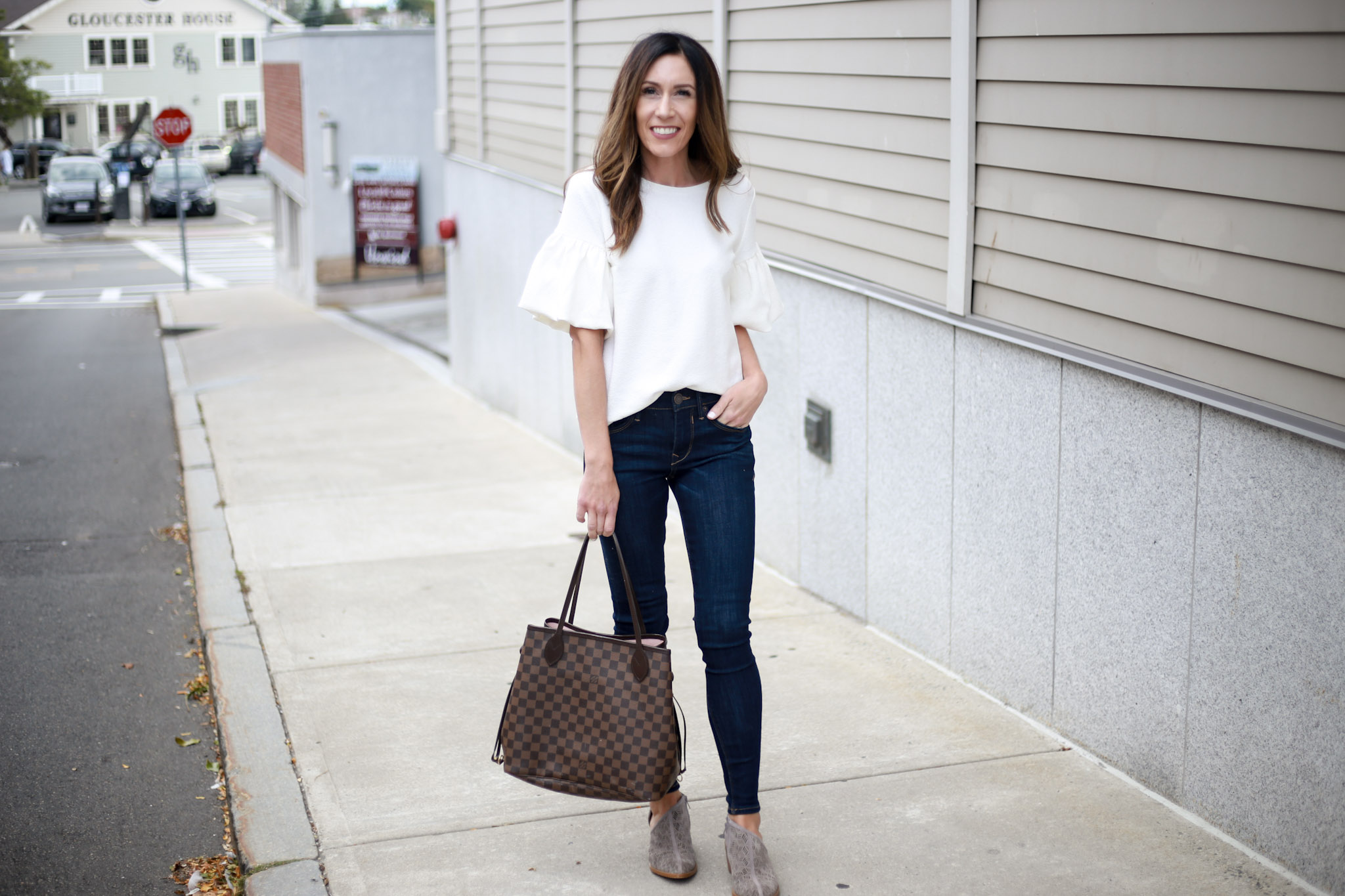 great jeans are essential in any great capsule wardrobe - Capsule Wardrobe Series - Skinny Jeans by Boston fashion blogger Living Life Pretty