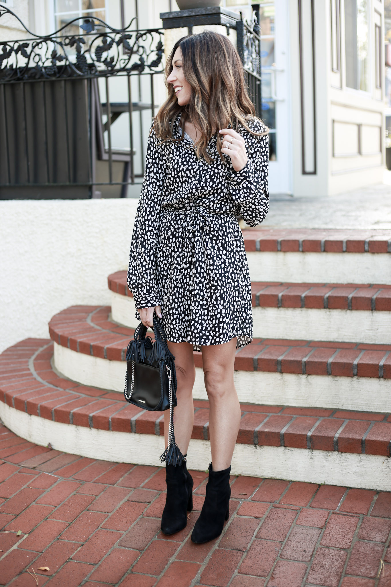 The $20 shirt dress - Printed Shirt Dress Styled 2 Ways by Boston fashion blogger Living Life Pretty